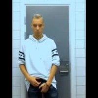 18 year old public toilet wank